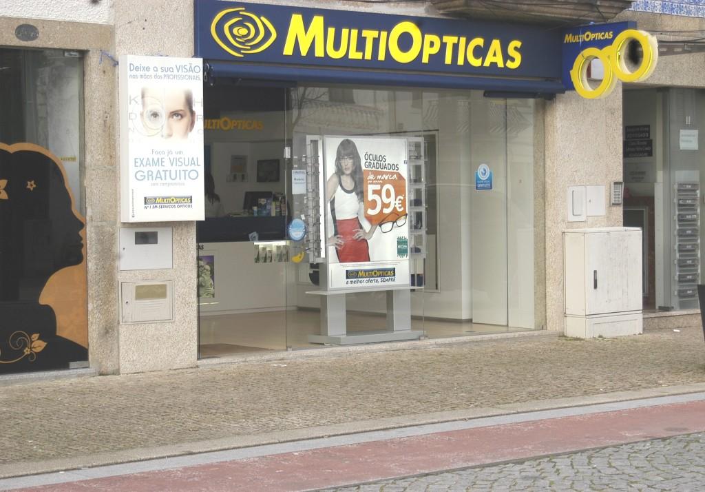 Aberta há pouco mais de um ano oferece exames visuais gratuitos a todas as pessoas