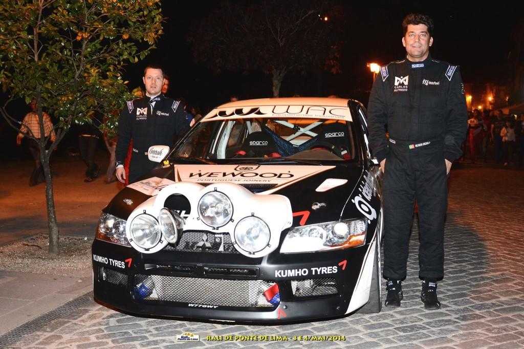 Paulo Lopes (navegador) e Salvador Gonzaga (piloto) no rali de Ponte de Lima